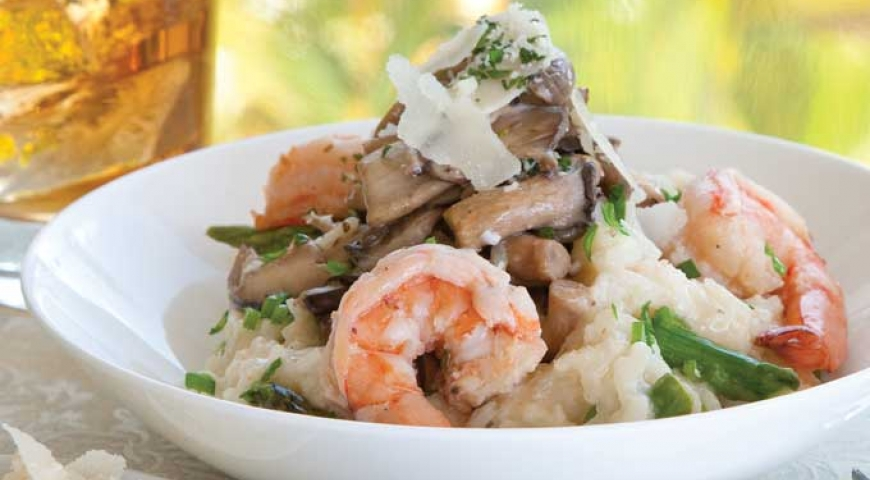 Mushroom Risotto with Shrimp and Asparagus