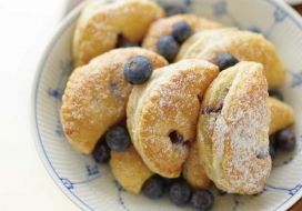 Blueberry Cheesecake Puffs